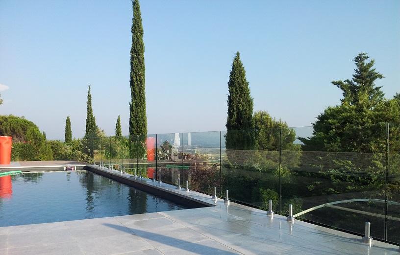 Barrière de piscine invisible en verre 12mm Pacific, la clôture la ...
