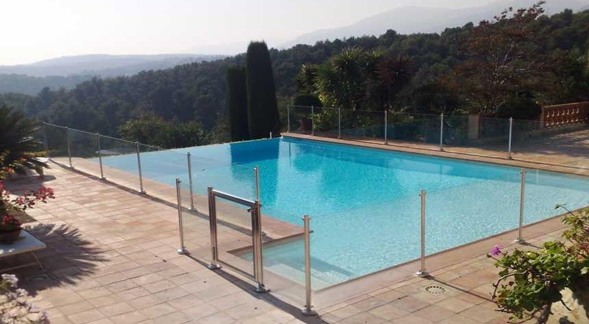 Cloture de piscine oc anix en verre et inox l316 la for Portillon piscine verre