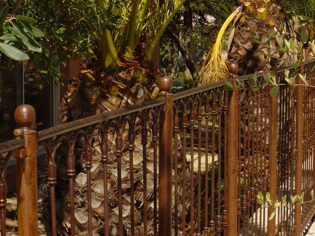 barri re de s curit piscine proven ale deluxe en v ritable fer forg plein. Black Bedroom Furniture Sets. Home Design Ideas