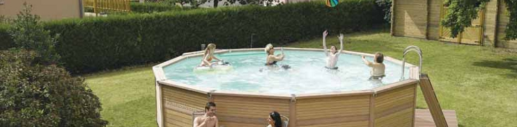 Piscine bois composite hors sol une belle id e de for Piscine bois enterrable