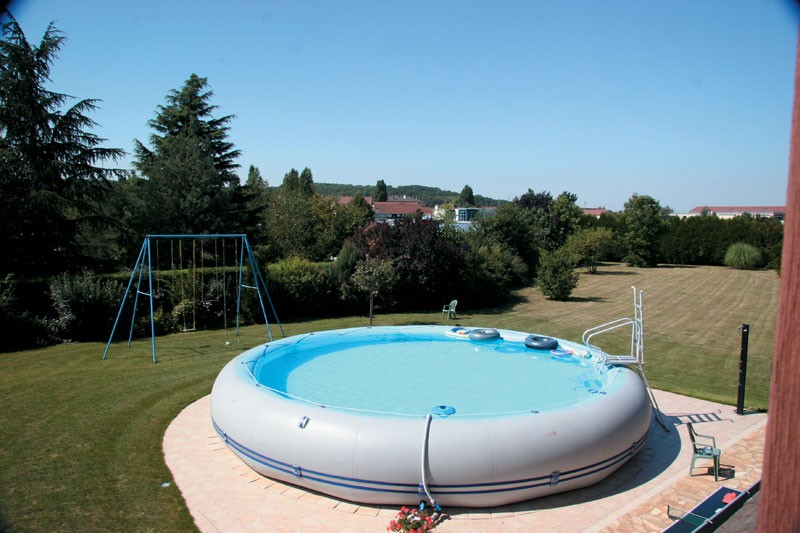 Piscine zodiac winky 8 for Piscine gonflable zodiac